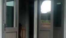 cửa nhôm xingfa trên kính dưới pano