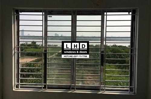 cửa sổ trượt 4 cánh nhôm xingfa long biên