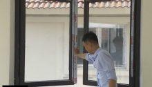 cửa sổ mở quay 2 cánh nhôm xingfa kính hộp