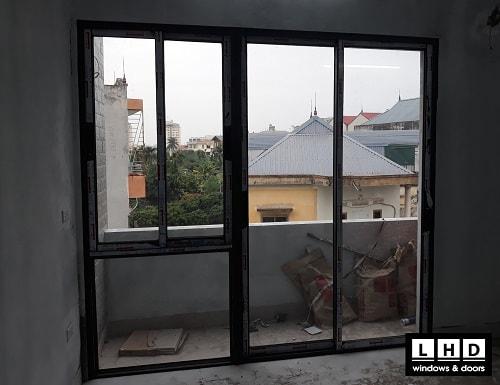 cửa sổ lùa kết hợp cửa đi xingfa tại tây mỗ