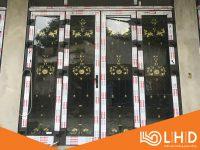cửa nhôm xingfa kết hợp khung sắt nghệ thuật 3