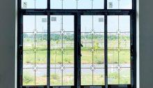 cửa nhôm xingfa kính hộp 2 mặt cường lực nan đồng trang trí 5